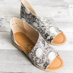 Shoes - 'Snake It Off' Flats